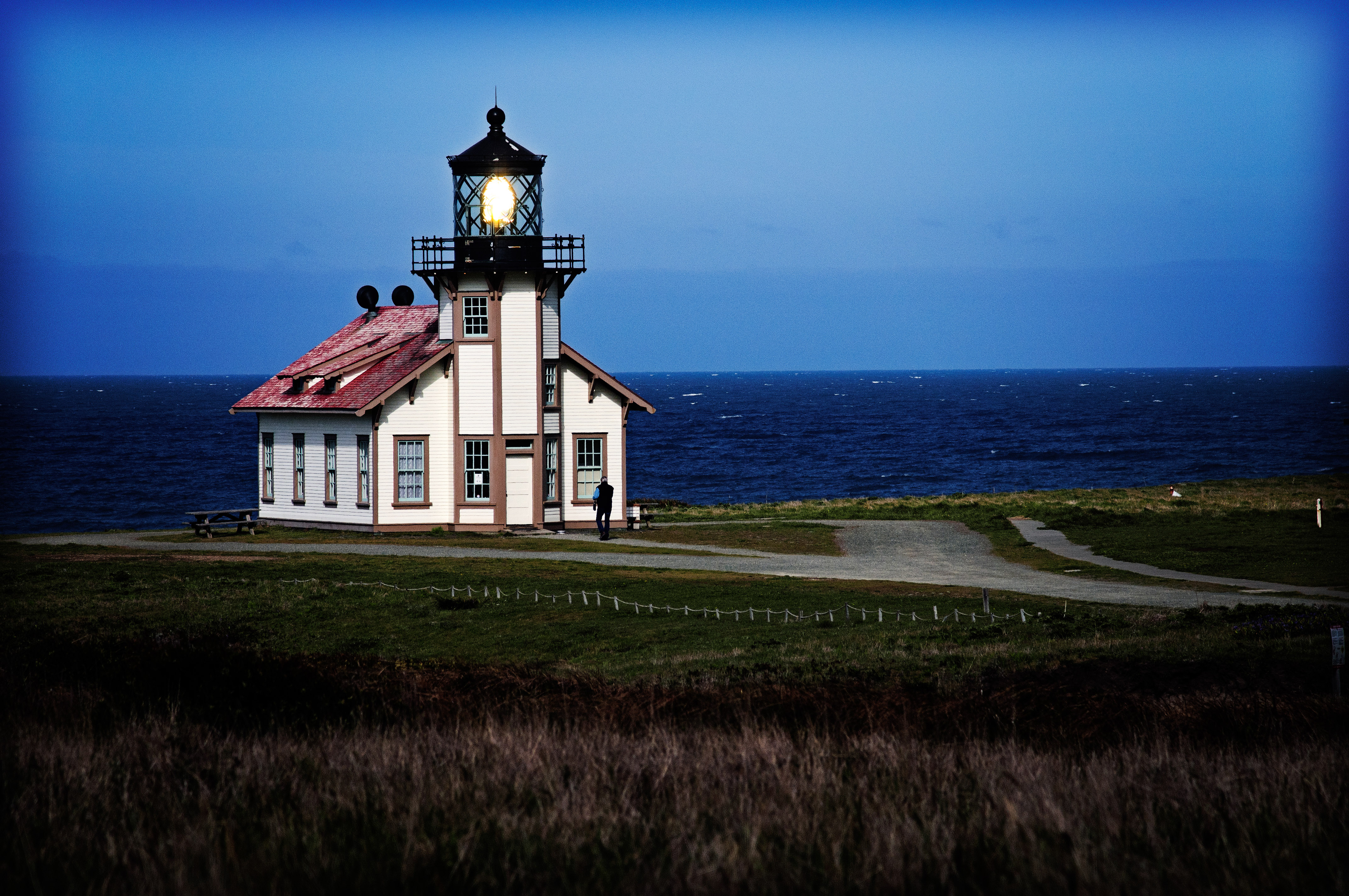 Lighthouse keeper arrives.